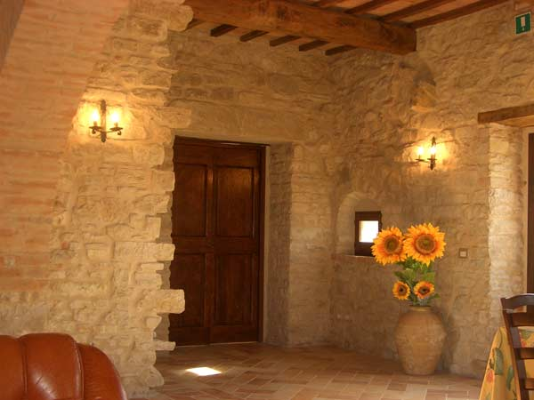 Strutture di lusso charming luxury in umbria italia for Interni di case rustiche